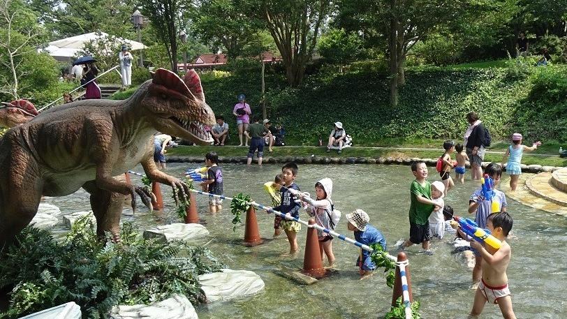 今年も登場!ディロフォサウルス!